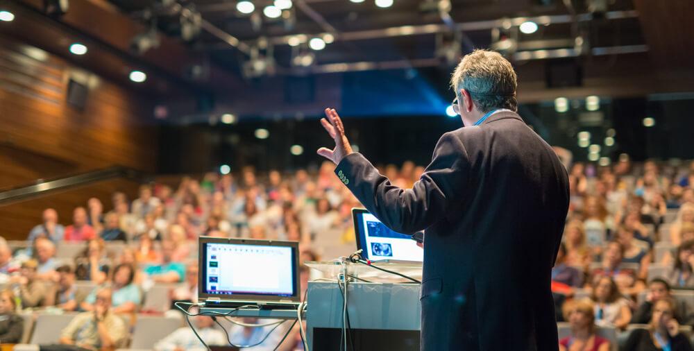 come parlare in pubblico durante un convegno